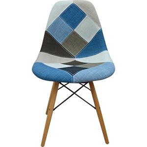 Silla de plastico forrada de tela en tonos azules y patas de plastico imitacion madera de 83x46x34cm
