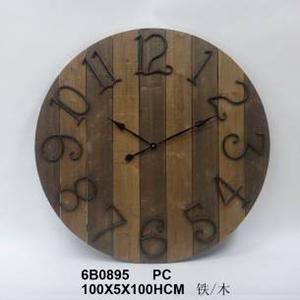 Reloj de madera con numero de metal de 100x5x100cm