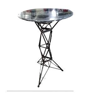 Mesa para bar de metal cubierta de madera