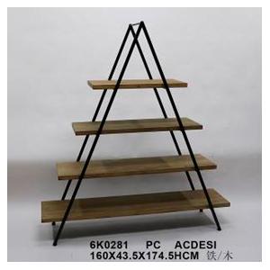 Mueble con entrepaños diseño triangulo de 160x43x174,5cm