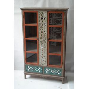 Gabinete de madera con 2 puertas y 2 cajones labrados en colores de 99.5x38x167cm