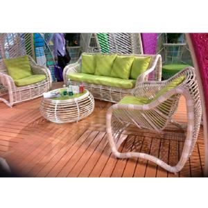 Sala tejida de fibras plasticas c/cojines verdes y mesa d/centro de 2+1+1 de 92x86x84/180x86x84/90x36cm