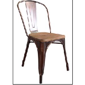Silla de metal  color cobre viejo con asiento de madera de 45x52.5x118cm