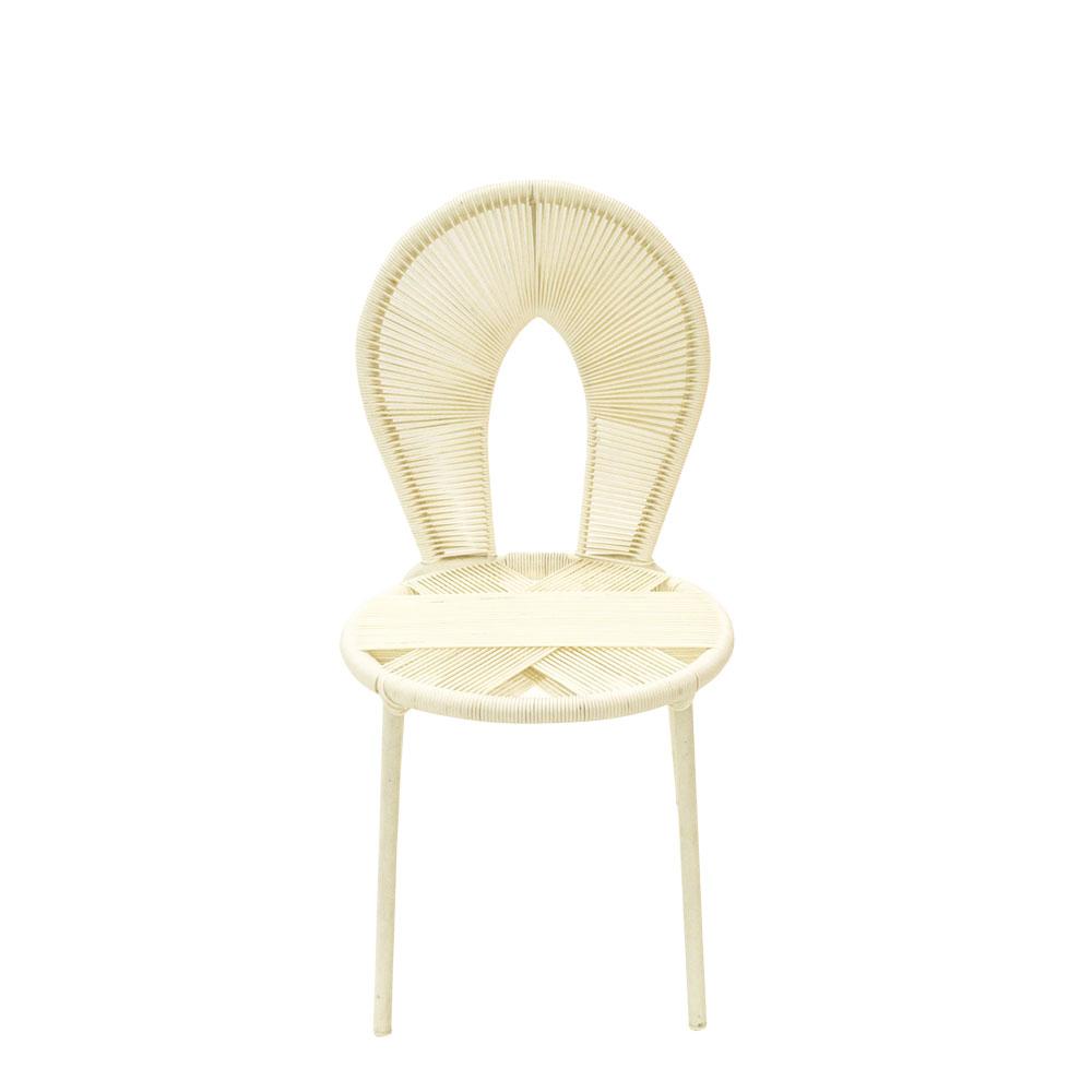 Silla infantil tejida c/respaldo oval blanca sin descanzabrazos de 34x42x66cm