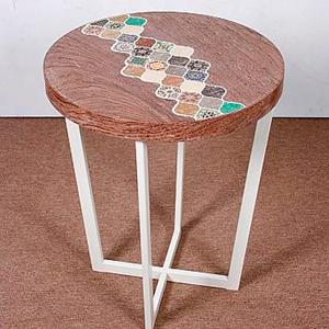 Mesa de madera en colores de 49x49x60cm