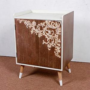 Cómoda de madera con guías de flores blancas de 48x36x64cm
