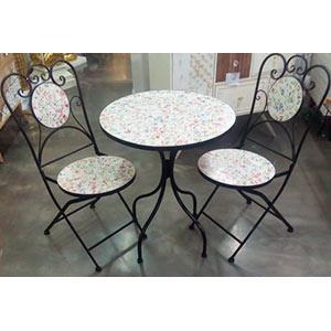 Juego de mesa y 2 sillas de metal con mosaicos diseño flores de 60x60x71/38x38x91cm