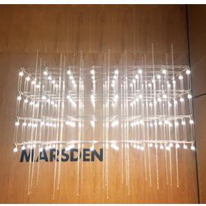 Lámpara de techo plateada con tubos de acrílico  diseño rectangular y luces led de 87x37x37m
