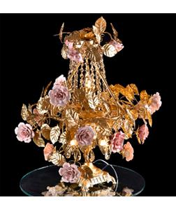 Lámpara de mesa dorada diseño rosas y hojas 55x60cm