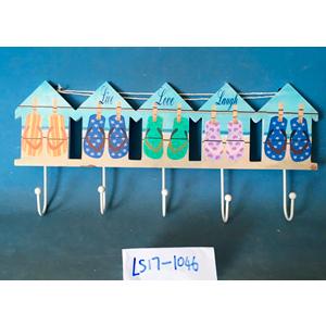 Perchero diseño casas con sandalias de 5 perchas de 46x19x5cm