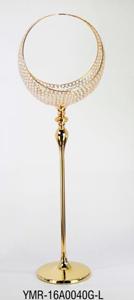 Candelabro dorado con pantalla diseño media luna con cuentas de cristal de 41x31x138cm