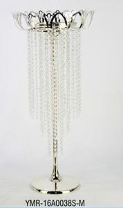 Candelabro de metal diseño flor con cuentas de acrilico colgantes de 48.5x48.5x100cm