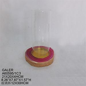 Candelabro imitación cuarzo rosa con pantalla de cristal de 20x15x34.4cm