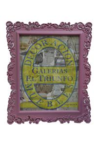 Portarretratos de plástico rosa con orilla de grecas de 12.5x18cm