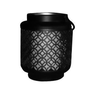 Linterna de metal calada con vela y luz incluida (usa 3 baterias triple A)  de 13x21cm