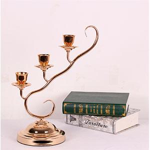 Candelabro para 3 velas diseño rama dorado de 18.5x50x44cm