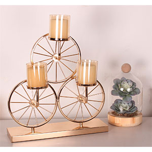Candelabro triple diseño ruedas de bicicleta dorado de 45x18x42.5cm