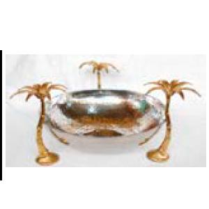 Bowl de metal plateado con base diseño palmeras doradas de 38x38x20cm