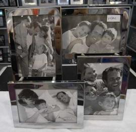 Portarretrato de metal plateado para 4 fotos