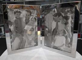 Portarretrato de metal plateado plegable para 2 fotos vertical