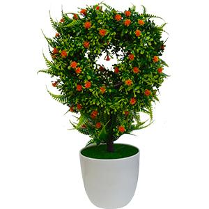 Topiario verde con flores naranjas en maceta de melamina blanca