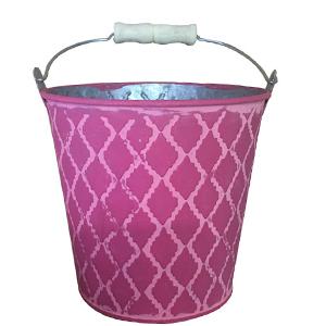 Cubeta de lamina rosa con asa