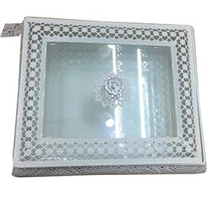 Alhajero de metal calado blanco con tapa de acrilico de 27.5cm