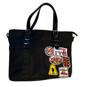 Bolsa de dama negra con calcomanias de colores