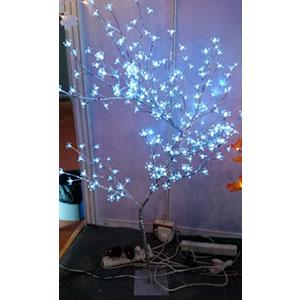 Árbol de cereza plateado c/240 luces led blancas de 120cm