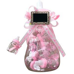 Biberón de plástico con biberones rosas