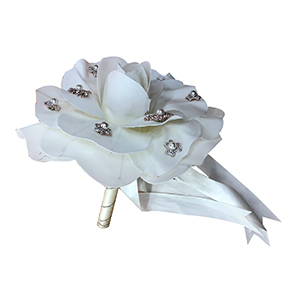 Ramo de magnolias blancas con diamantes
