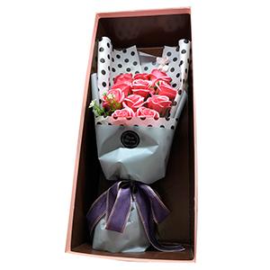 Ramo de rosas en estuche