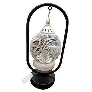 Linterna de metal diseño malla con luz led (usa baterias doble A)
