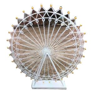 Decoracion diseño rueda de la fortuna blanca