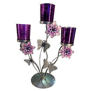 Candelabro triple de metal diseño flor con vaso de cristal morado