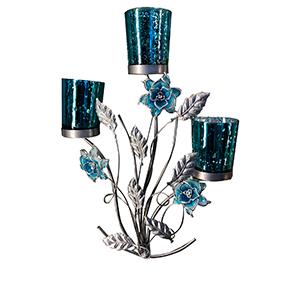 Candelabro triple de metal diseño flor con vaso de cristal azul