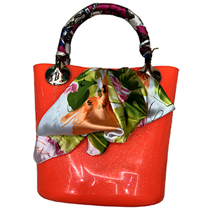 Bolsa de mano naranja con mascada