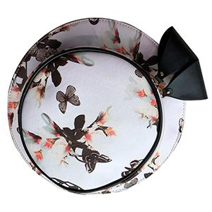 Bolsa diseño sombrero color blanco con flores