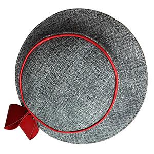 Bolsa diseño sombrero color gris con rojo
