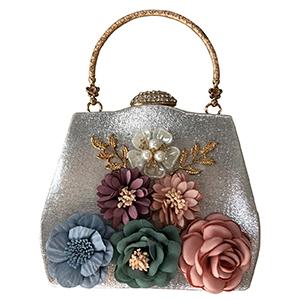 Bolsa plata de mano con flores