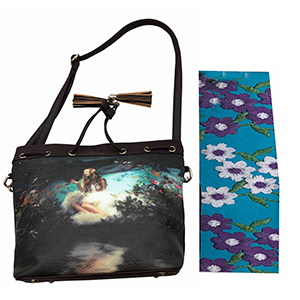 Bolsa de dama azul con diseño de flores