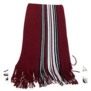 Bufanda roja con rayas grises y negras